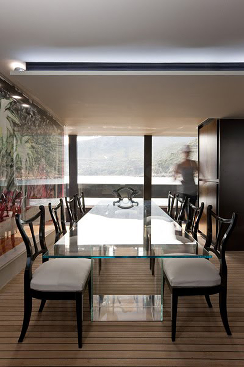 Designer Dining Room Table And Chairs