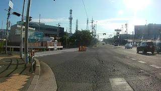 府道46号茨木亀岡線へ左折
