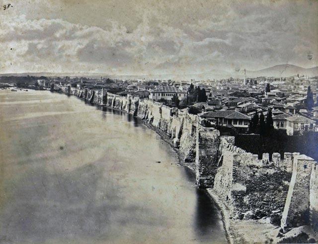 Sea walls of Thessaloniki byzantium.filminspector.com