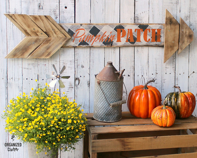 Fall Buffalo Check Pumpkin Patch Arrow Sign Idea #oldsignstencils #stencil #fall #autumn #falldecor #signs #arrows #buffalocheck