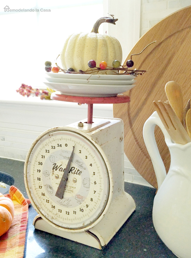 old Way Rite kitchen scale with pumpkin display on it.