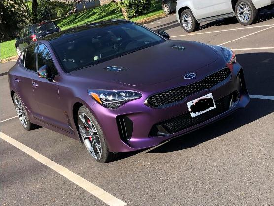 mobil warna ungu metalik