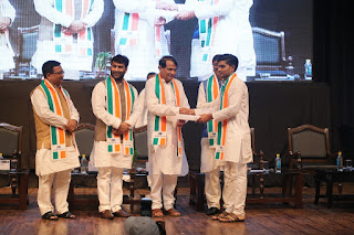 ICSI Introduces Traditional Indian Attire and Khadi Angavastram as the Convocation DRESS Code
