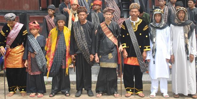 Makna Tungku Tigo Sajarangan di Sumatera Barat