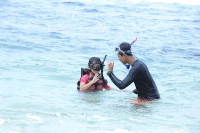 Snorkeling di pantai sadranan