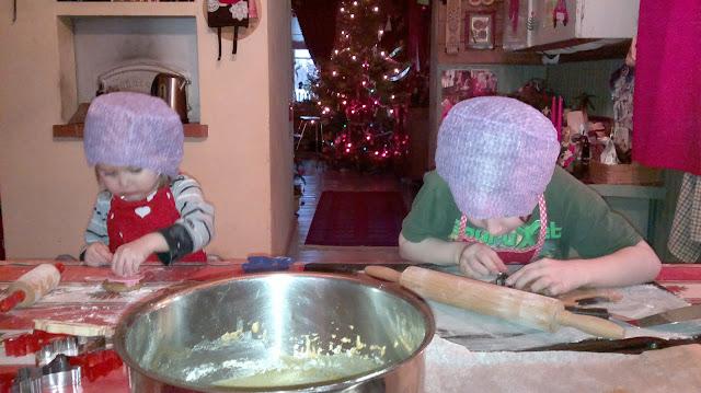 lapset joululeivonta piparit