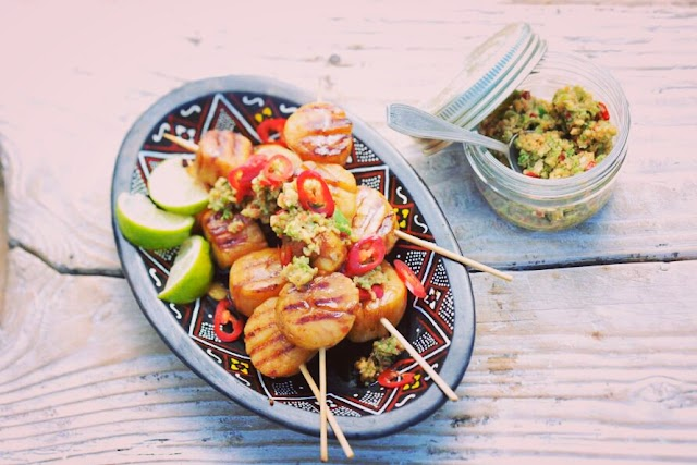 Grilled scallop skewers with Thai cucumber dipping