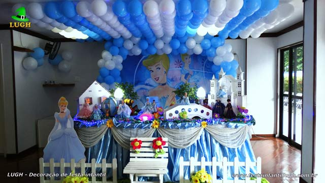 Decoração de festa de aniversário infantil Cinderela- Mesa tradicional luxo