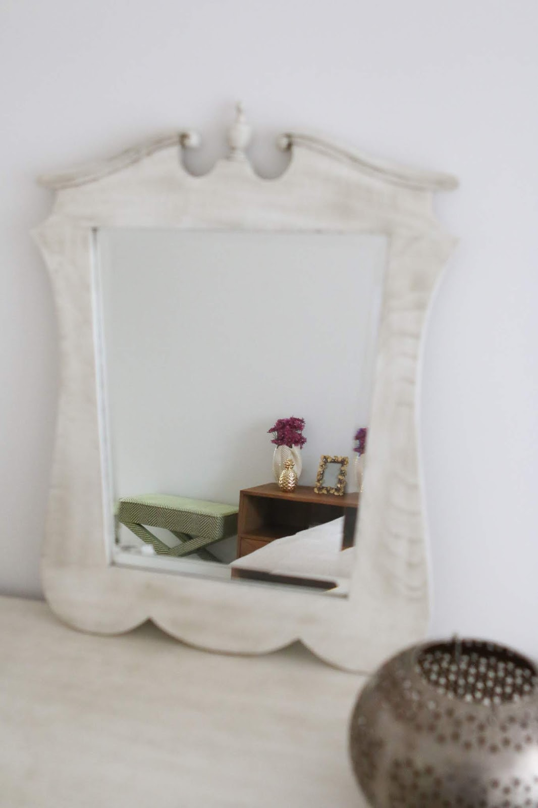 pormenor espelho cama com desenho na cabeceira e tachas decoradora interiores porto perfect home interiores