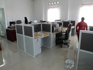 Furniture Kantor Meja Partisi 4 x 2 + Furniture Semarang ( Furniture Kantor )