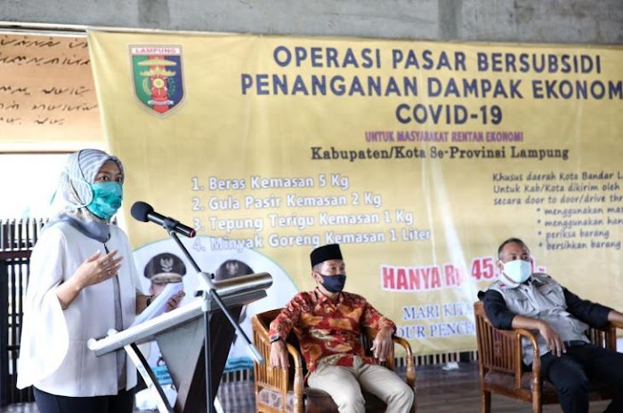 Tangani Dampak Covid-19, Wagub Chusnunia Buka Operasi Pasar Bersubsidi di Tubaba
