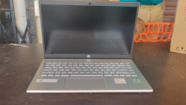 HP Pavilion 14 14-ce3065tu laptop. It gives a high performance but comes with a poor keyboard and touchpad. It is powered by Intel Core i5 processor with a less powerful GPU.