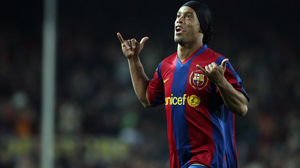Ronaldinho lined up to join Barcelona's FCB Legends project