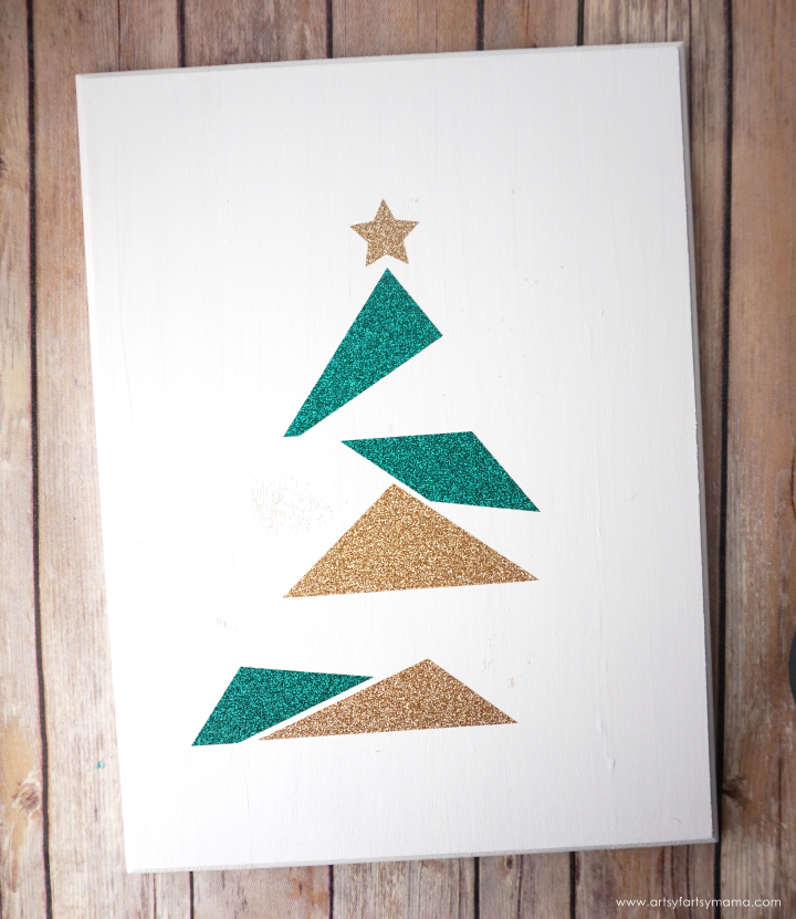 Make this easy DIY Modern Christmas Tree Sign to add some holiday sparkle into your home!