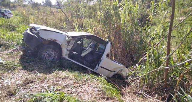 Homem sofre ferimentos em acidente registrado na SP-294, em Osvaldo Cruz