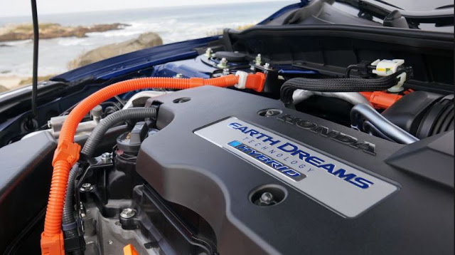 2017  performance Honda Accord Hybrid reviews