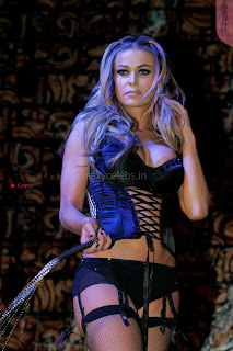 Carmen-Electra-Performing_7+%7E+SexyCelebs.in+Exclusive.jpg