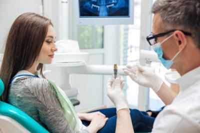 Implan gigi bisa membawa dampak Anda keluar dan merasa lebih baik