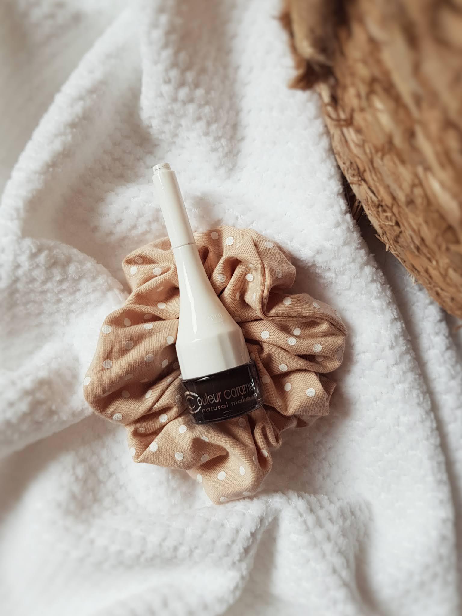 naturalne kosmetyki do makijażu, naturalna kolorówka, couleur caramel, couleur caramel pomada do brwi
