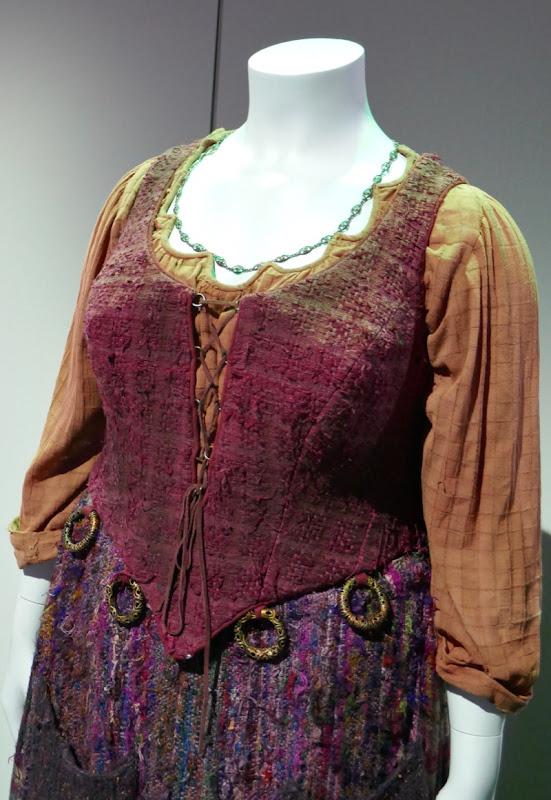 Kathy Najimy Hocus Pocus Mary Sanderson costume detail