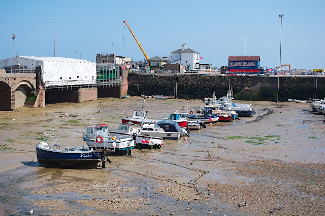 Ships hafen folkestone harbor