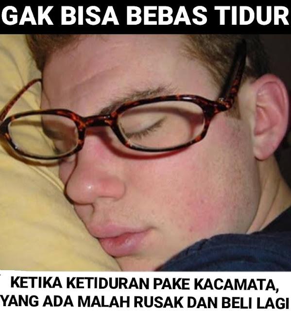 10 Meme Lucu Ini Hanya Dimengerti Oleh Orang yang Pake Kaca Mata Aja