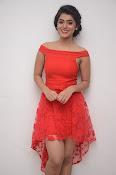Yamini bhaskar new glam pics-thumbnail-16