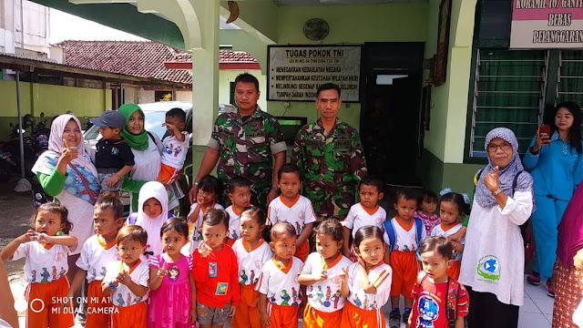 Berkunjung ke Koramil, Siswa Paud Nusa Indah Jabung Termotivasi Jadi TNI