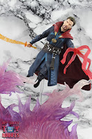 S.H. Figuarts Doctor Strange (Battle On Titan Edition) 45