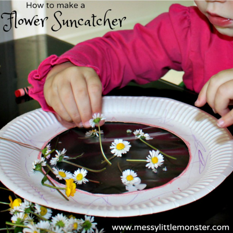 Flower Suncatcher - Easy Outdoor Art Ideas for Kids - large scale, messy, nature inspired art activities for toddlers, preschoolers and school aged kids to do outside.
