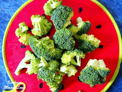 Brokuły z serkiem wiejskim