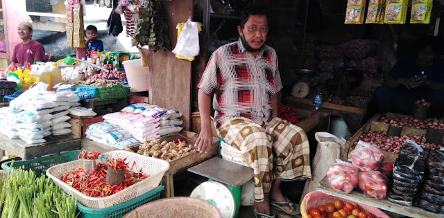 Harga Sejumlah Komoditi di Pasar Sentral Terpantau Masih Stabil