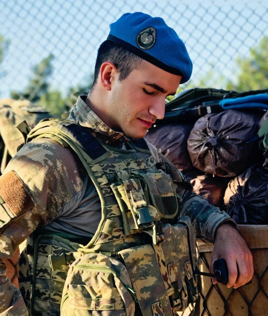 straight-masculine-male-soldier-sexy-military-uniform-european-army-eye-candy-dude-alpha-hunk