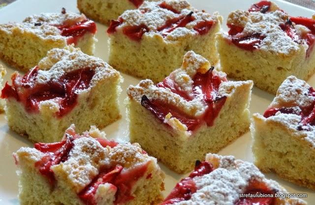 http://strefaulubiona.blogspot.com/2014/05/ciasto-jogurtowe-z-truskawkami.html