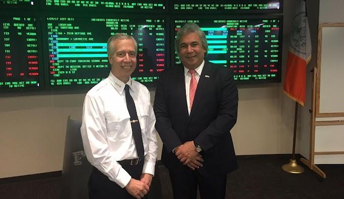 Cónsul Castillo busca acercamiento entre bomberos de NY y comunidad dominicana