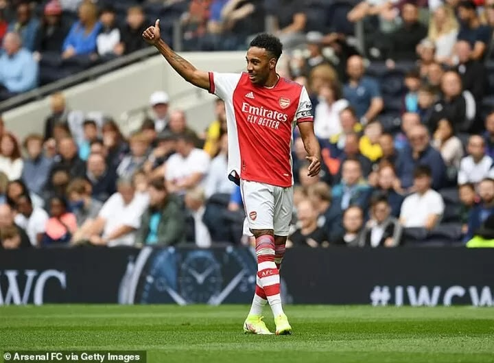 Barcelona 'eyeing Arsenal pair Aubameyang and Lacazette'Barcelona 'eyeing Arsenal pair Aubameyang and Lacazette'