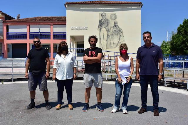 Εντυπωσιακή τοιχογραφία με τον Καποδιστρια και τον Κολοκοτρώνη στο 2ο Λύκειο Ναυπλίου
