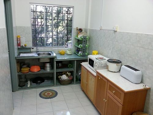 Membangun dapur minimalis dengan biaya 4 5 juta full woods for Biaya kitchen set per meter