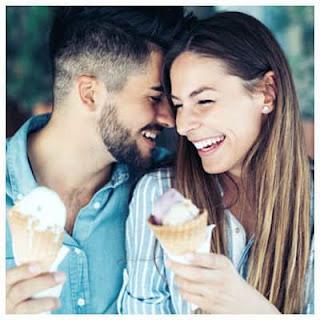 Historia de Amor: Pagando Conocí a Mi Primer Amor !