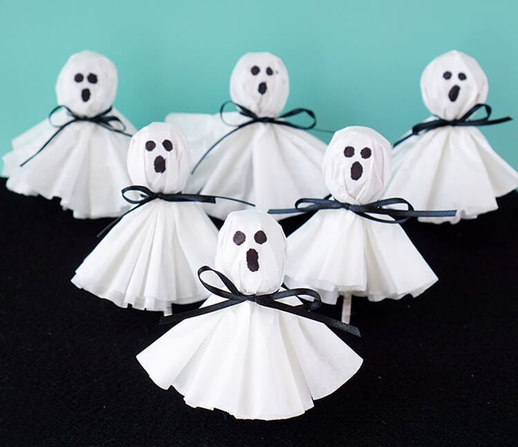 16 DIY Halloween funny and cute ghost craft ideas for kids to make. DIY Coffee filter ghost lollipops ghost for Halloween. Halloween cute ghost craft ideas for kids to make. Easy to make DIY Halloween funny napkin craft ghost 2018. Halloween paper craft ghost for outdoor decoration. Preschool paper ghost craft ideas for kids to make. Spooky ghost craft decoration for home. Paper craft for indoor decoration. Scary Halloween craft decoration.