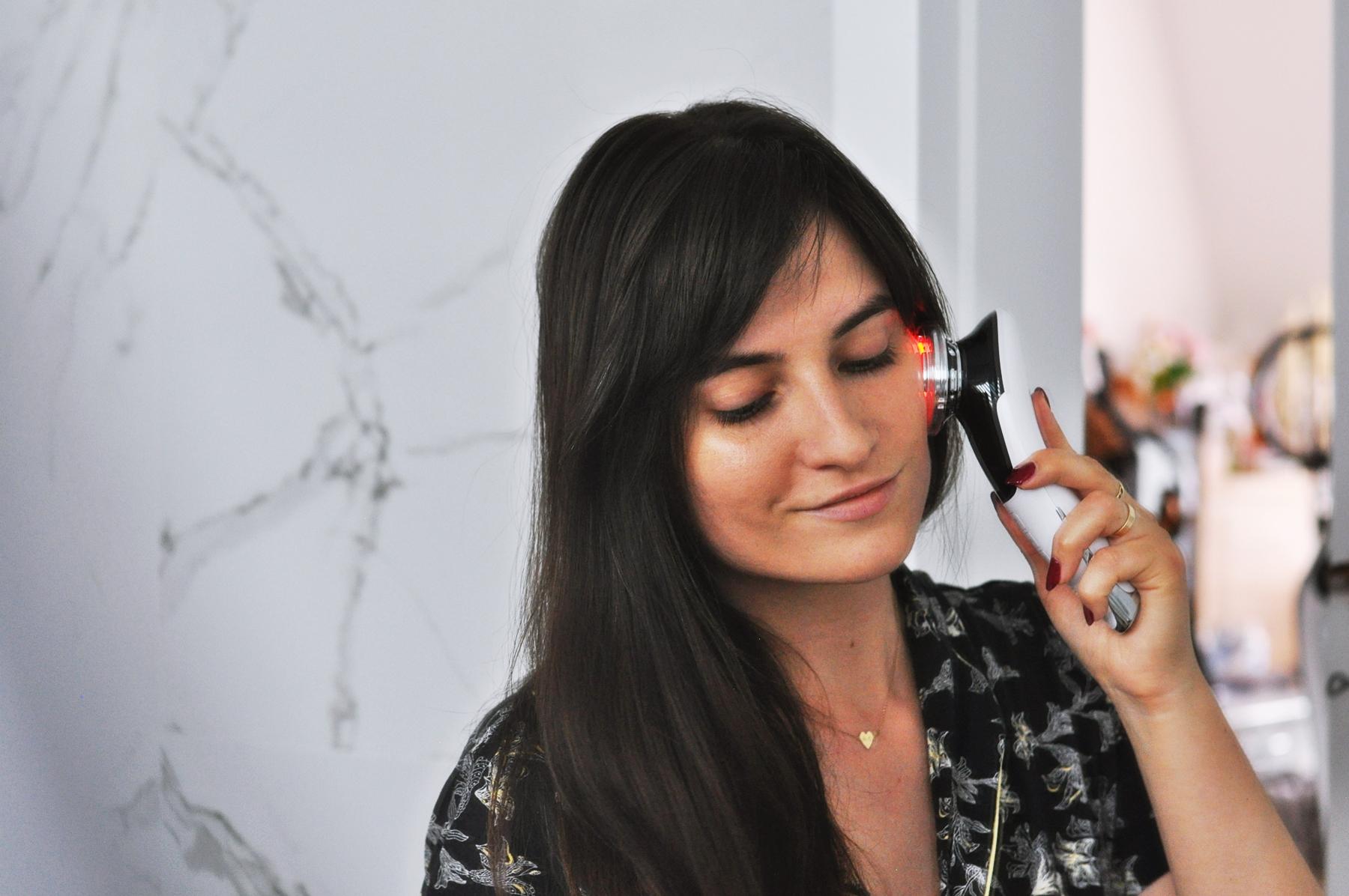 ultradźwiękowy masażer do twarzy anlan jak działa?
