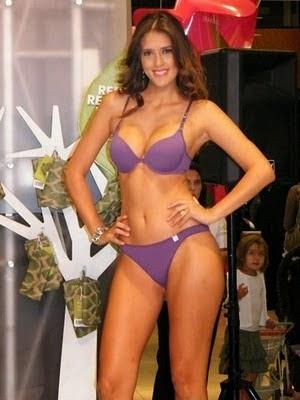 Sandra Bustamante en concurso de belleza