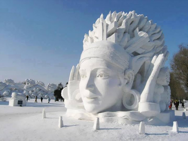 Sculpture on the snow