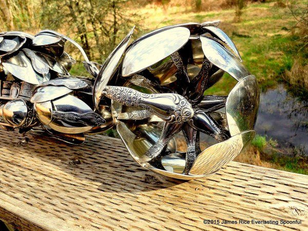 09-Jim-Rice-Chopper-Motorcycle-Sculptures-made-from-Spoons-www-designstack-co