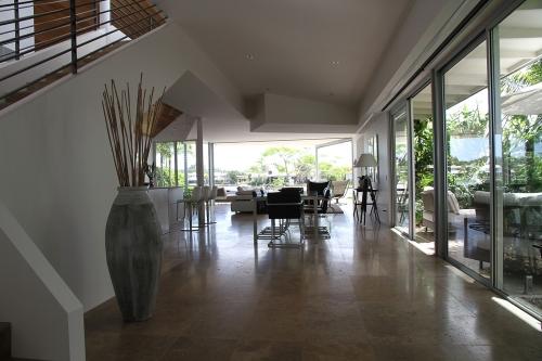 casa-cartongesso-pareti-soffitto-arredamento
