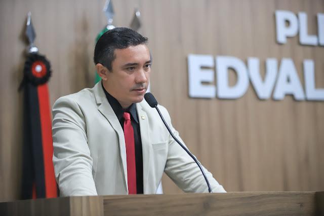 Trabalho Legal: Câmara aprova projeto que estabelece diretrizes para a regularização do comércio ambulante em Patos-PB