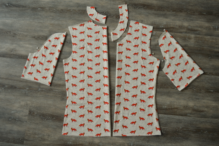 sewing fox t-shirt, georgiana quaint, sewig autumn t-shirt, autumn aesthetic clothes, how to sew t-shirt, how to sew collar