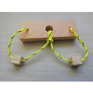 Nabídka stavebnice dřevěných hlavolamů (wooden string puzzles)