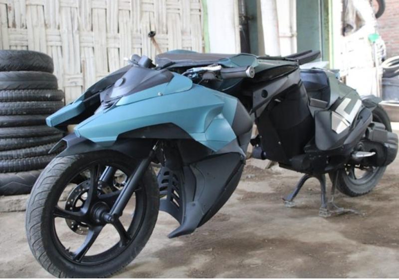 DITANGAN PEMUDA DESA,  MOTOR MIO BUTUT DISULAP JADI MOTOR BATMAN YANG KEREN