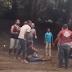 VÍDEO: Graban hombre maltratando a una mujer con bebé en brazos